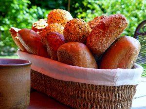 rolls in basket with lettuce